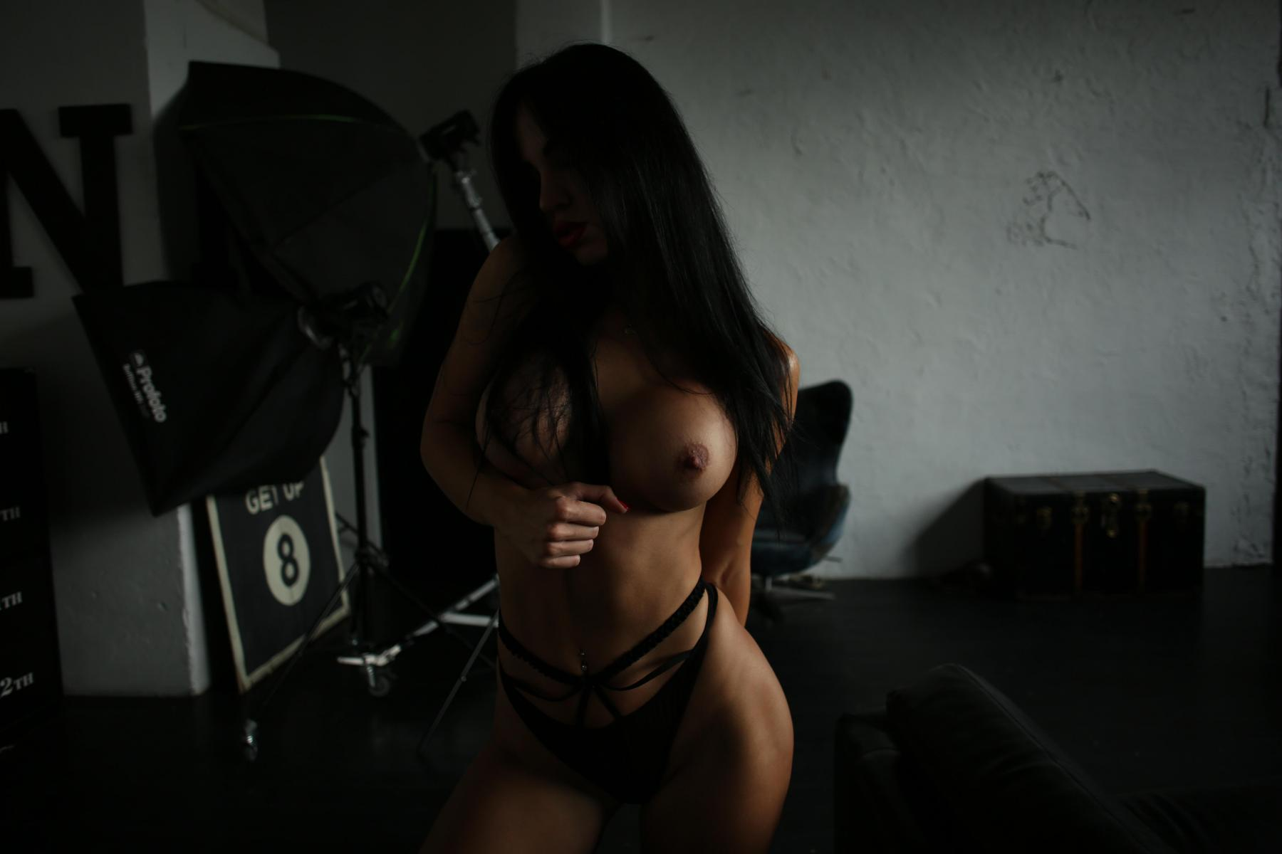Yana Sexy Brunette's Tits Porn OnlyFans Leaked Nudes 29