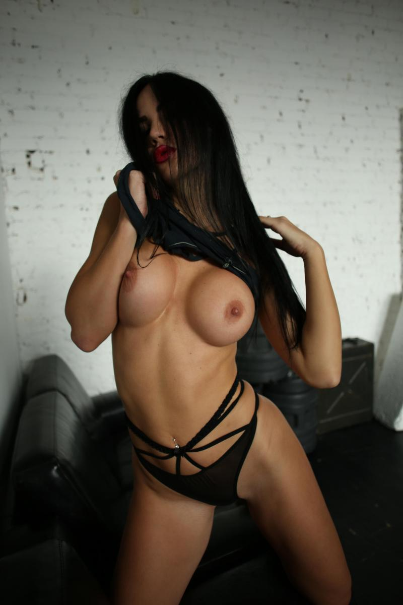 Yana Sexy Brunette's Tits Porn OnlyFans Leaked Nudes 55