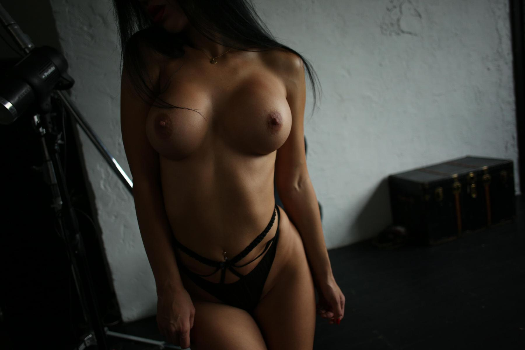 Yana Sexy Brunette's Tits Porn OnlyFans Leaked Nudes 33