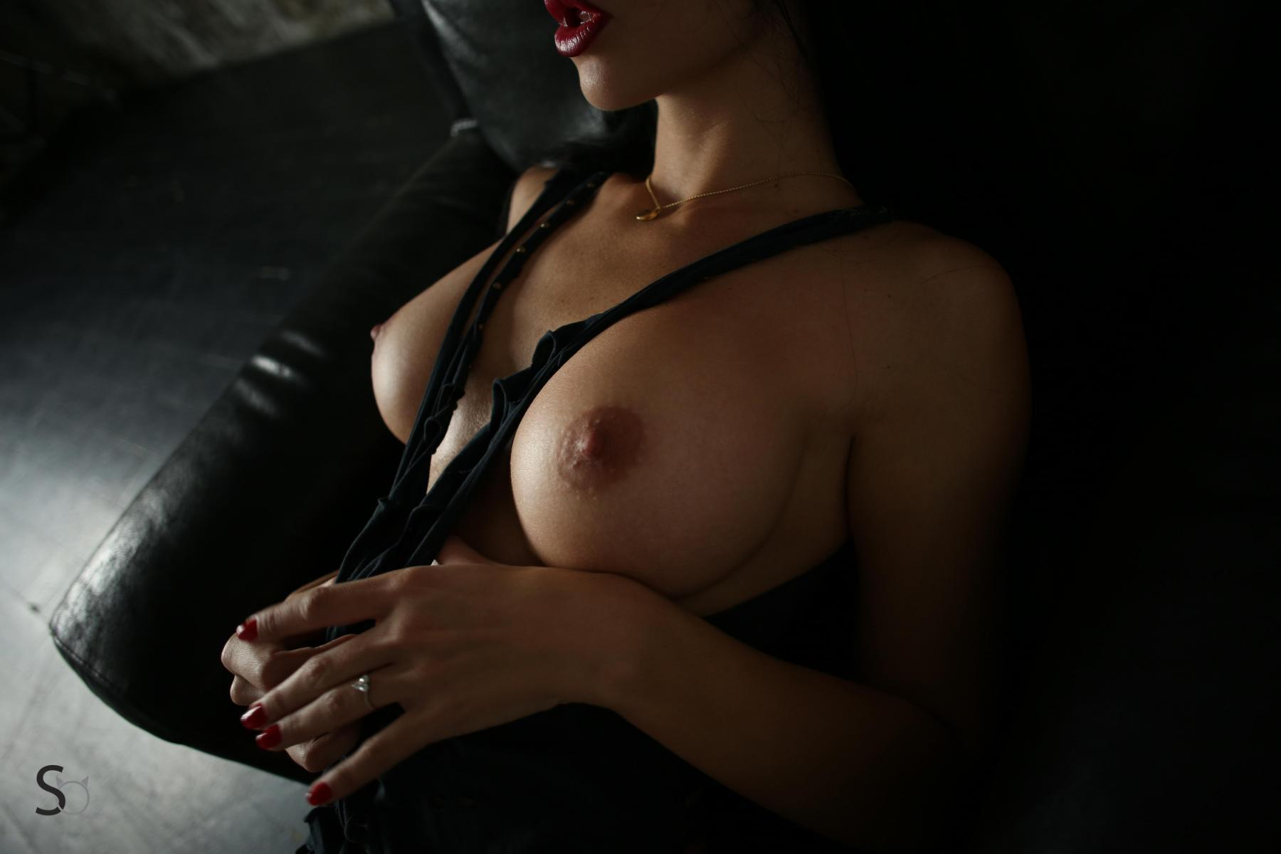 Yana Sexy Brunette's Tits Porn OnlyFans Leaked Nudes 34